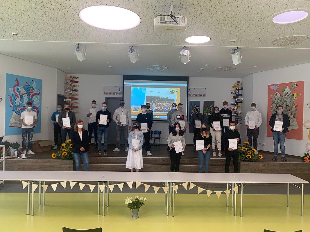 Grund  und Oberschule Friedrichsfehn Verabschiedung der 21ten Klassen